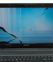 HOW DO I KNOW IF MY LAPTOP HAS A BROKEN SCREEN?